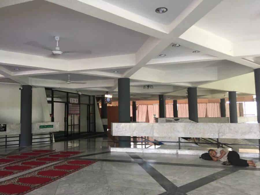 州立モスク内部